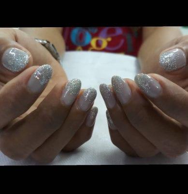 ব্রাইডাল নেইল আর্ট (Bridal nail arts)ঃ
