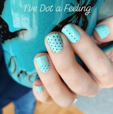 পলকা ডট নেইল আর্ট (Polka Dots Nail Art)