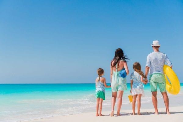 পারিবারিক ট্র্যাভেল ইনস্যুরেন্স (Family Travel Insurance)