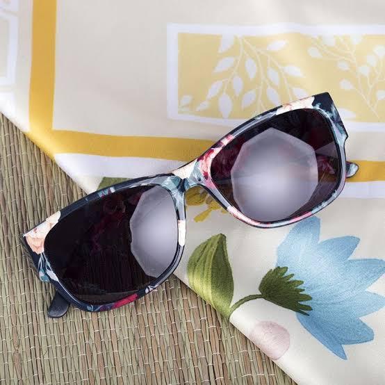 মহিলাদের জন্য মাল্টি প্রিন্টেড সানগ্লাস (Multi Printed Women's Sunglasses)