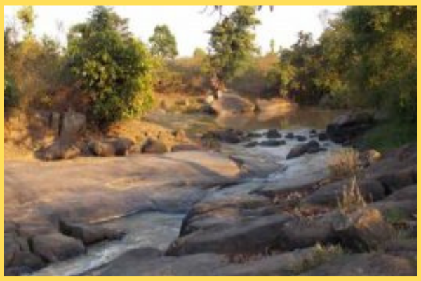 দুলুরি নদী জলপ্রপাতঃ